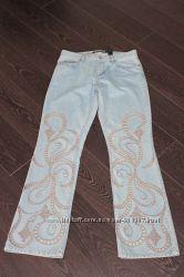Джинсы клеш DKNY jeans оригинал из США с перфорацией и вышивкой