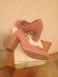 Удобные, красивые, дорогие туфли с бантиком