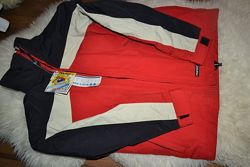 Лыжная курточка. примерно на 6-7 лет