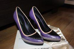 Стильные кожаные туфли Sasha Fabiani на шпильке