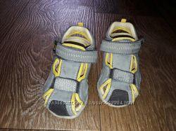 сандалии Umi