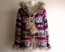 тёплая вязаная новая  куртка на весну-осень, капюшон, карманы, иск. мех