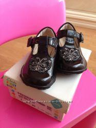 Кожаные туфли Clarcs для малышки