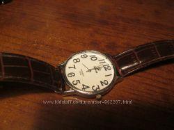 Мужские часы кварцевые.