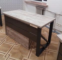 стіл в стилі лофт
