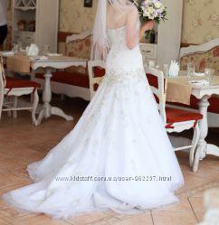 Продам шикарное свадебное платье ALLURE BRIDALS в отличном состоянии
