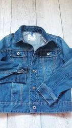 Джинсова куртка для дівчинки 8р. 128 см.