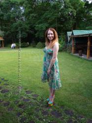 Платье Kira Plastinina зеленое цветочный принт
