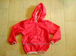 Влагозащитная куртка-анорак от Quechua на рост 115-124 см