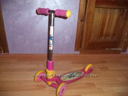 Детский трёхколёсный самокат Explore TREDIA