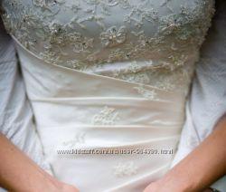 Элегантное свадебное платье Dominiss Arnela