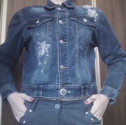 Модная джинсовая куртка джинсова курточка