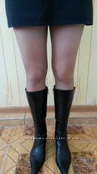 кожаные сапоги демисезонные в хорошем состоянии, черные 38 размер  для жен