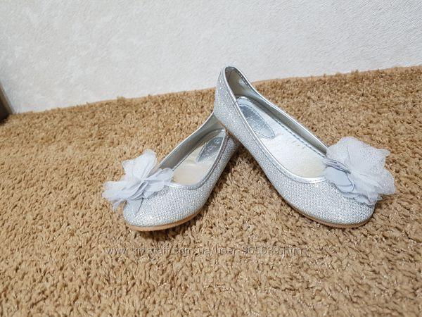 Продам туфли нарядные   фирмы  ACCESSORIZE