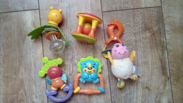 Набор игрушек для малышей. 5 единиц. Погремушки, растяжки.