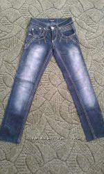 В наличии джинсы на девочку, состояние новых, размер не указан, ориентируйт