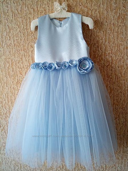 Нарядное платье на 5-6 лет, можно для двойни