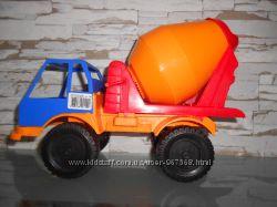 Игрушечный грузовик-бетономешалка