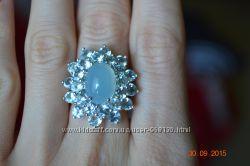 Кольцо серебро с топазами и халцедоном р. 17, 5