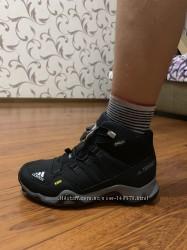 Зимние ботинки фирма ADIDAS, европейск. размер-35, 5-36, по стельке-23, 1 см