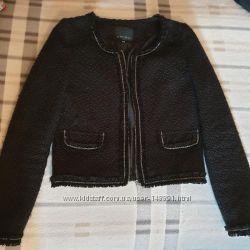 Черный пиджак на молнии Amisu