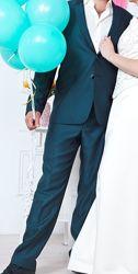Синий костюм с переливом 52р состояние идеальное
