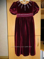Нарядное платье для маленькой леди.