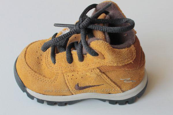 Кроссовки Nike 18 р. новые