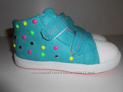 Распродажа последних размеров моднячих кроссовок для девочки, Польша