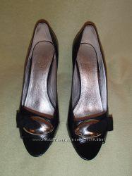 Фирменные туфельки RESPECT