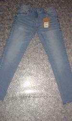Новые джинсы NEXT на девочку 10-11 лет