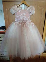 Нарядеое платье на выпускной на рост110-128