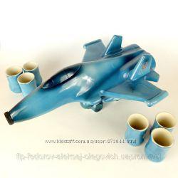 Самолет - подарочная бутылка в виде военного самолета МиГ-29 с рюмками