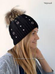 Теплая женская шапка Кольца на флисе, черная в наличии