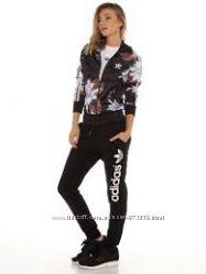 Куртка , ветровка, бомбер Adidas Originals новая оригинал