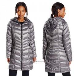 серебристое пуховое пальто с капюшоном calvin klein премиум пух