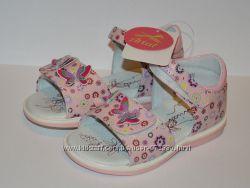 Босоножки новые для девочки Arial 24 размер