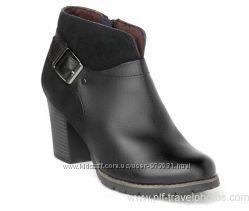 Новые ботинки Clarks размер 40.