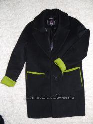 Стильне молодіжне пальто стан нового