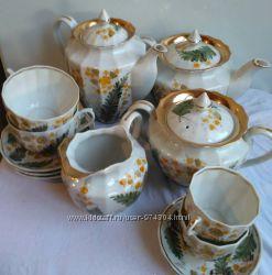 Сервиз  фарфоровый чайно-кофейный 6 персон  и 40 предметов. Новый. Дешево.