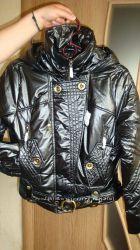 Модная и стильная  демисезонная куртка, размер 42-44 наш S