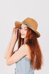 Летняя пляжная шляпа