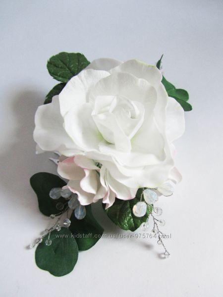 Прикраса для волосся з трояндою та намистинами