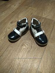 Лакові туфлі Ecoby, закриті сандалі, ортопедичні.