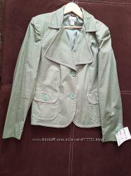 Пиджак цвета хакки