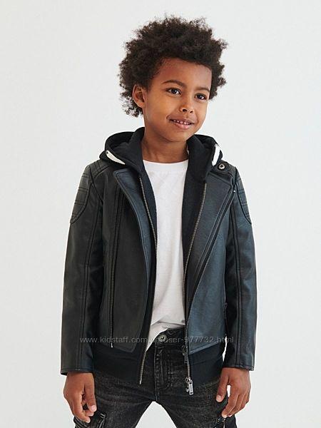 Очень крутая кожаная куртка Reserved для модника