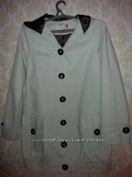 Модная удлиненная куртка.