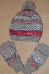 Красивая шапка с рукавичками