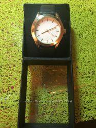 Часы под золото, 4 см в диаметре