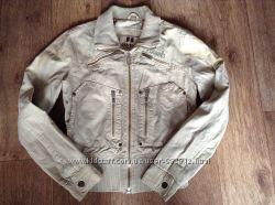 Женская куртка ветровка м
